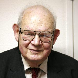 Benoit Mandelbrot (Polonia 1924 - +EEUU 2010)